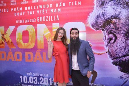 Ho Ngoc Ha xem Kong lan 2, chup selfie voi dao dien Jordan - Anh 5