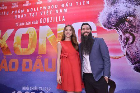 Ho Ngoc Ha xem Kong lan 2, chup selfie voi dao dien Jordan - Anh 6