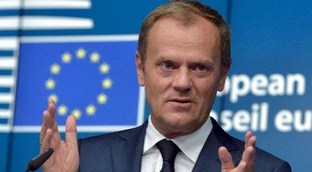 Chu tich Hoi dong chau Au tai cu, so phan EU lung lay - Anh 1