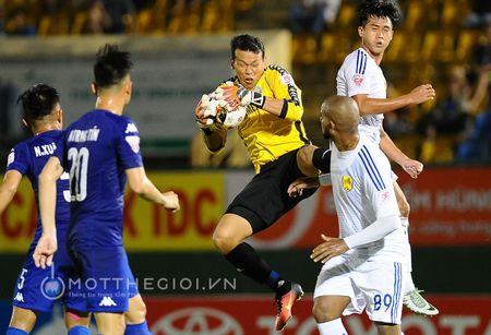 HLV Binh Duong: ' Chung thoi thua vi doi khong con cau thu gioi' - Anh 4