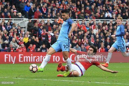 David Silva, Aguero mo duong cho Man City toi Wembley - Anh 3