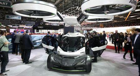 Airbus ra mat xe vua chay vua bay Pop.Up tai Geneva 2017 - Anh 1