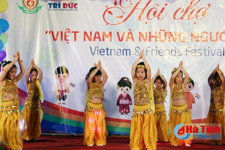 Hoi cho am thuc 'Viet Nam va nhung nguoi ban' - Anh 18