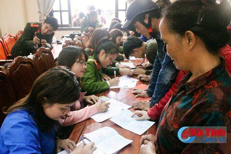 'Ngay thu 7 tinh nguyen giai quyet thu tuc hanh chinh' o TP Ha Tinh - Anh 1