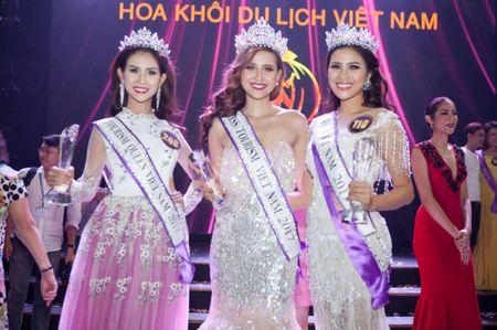 Khanh Ngan danh vuong mien Hoa khoi du lich Viet Nam 2017 - Anh 2