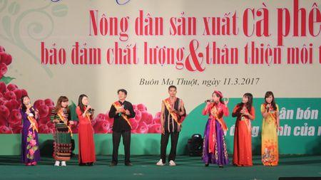 Festival ca phe Buon Ma Thuot: Soi dong Hoi thi Nha nong dua tai - Anh 4