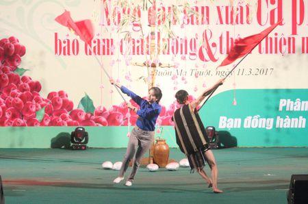 Festival ca phe Buon Ma Thuot: Soi dong Hoi thi Nha nong dua tai - Anh 9
