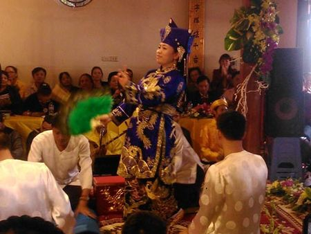 "UNESCO ghi danh ""Thuc hanh tin nguong tho Mau Tam phu cua nguoi Viet"" - Anh 1"