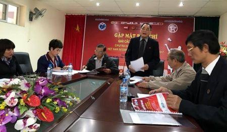 Vo chong Tien Minh cung gop mat o giai cau long quoc te Ciputra Ha Noi 2017 - Anh 1
