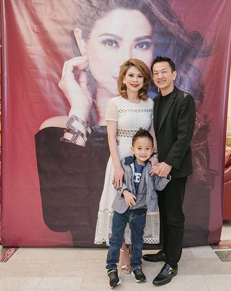 Ban trai va dan sao hai ngoai mung sinh nhat Thanh Thao o My - Anh 3
