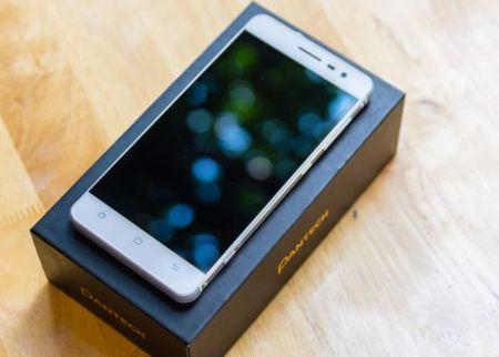 5 smartphone chong nuoc gia mem - Anh 1