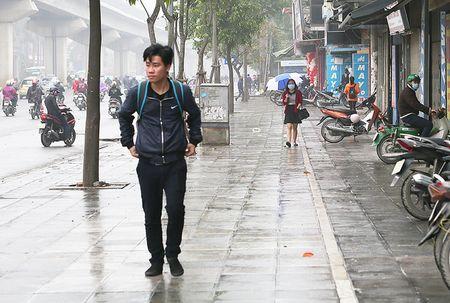 Duong pho Ha Noi sau ngay dau ra quan 'dep' via he - Anh 10
