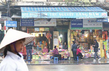 Duong pho Ha Noi sau ngay dau ra quan 'dep' via he - Anh 3
