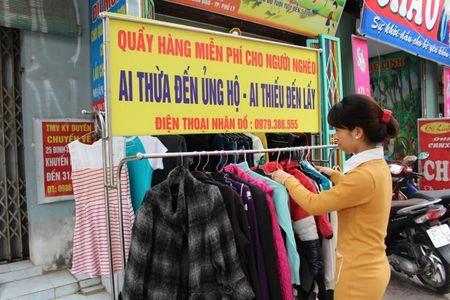 Am long quay quan ao: 'Thieu den lay, thua cho di' tai Ha Nam - Anh 2