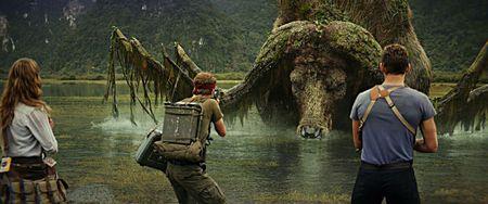 Mua phim thang ba: Hinh anh Viet Nam va bom tan Hollywood - Anh 1