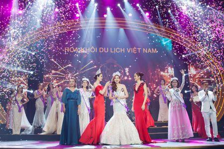 Nguoi dep Khanh Ngan dang quang Hoa khoi Du lich 2017 - Anh 2