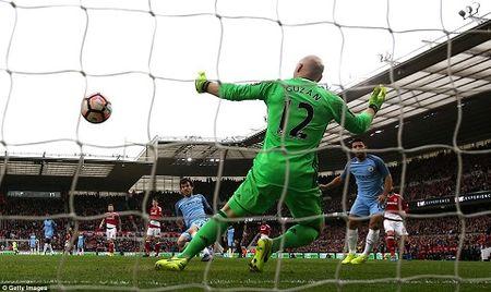 Thay gi sau chien thang cua Man City truoc Middlesbrough - Anh 4