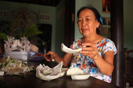Ky cong mon nem buoi doc dao cua gia dinh ba Trinh - Anh 3