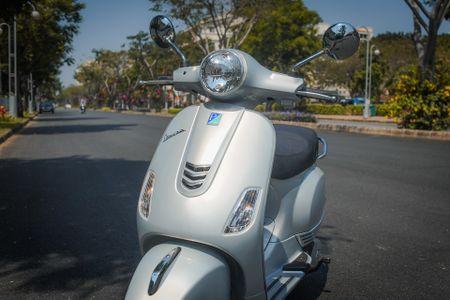 Chi tiet Vespa LX 125 2017 moi ban lai o Viet Nam - Anh 5