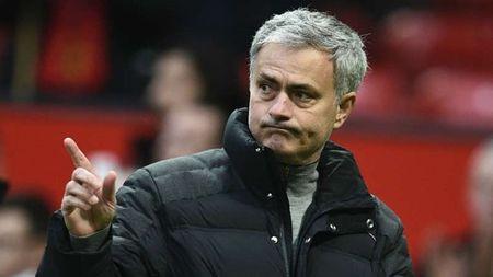 Mourinho treu dua cau be nhat bong cua Rostov - Anh 1
