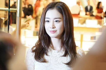 Kim Tae Hee du su kien o Malaysia lan dau sau dam cuoi - Anh 4