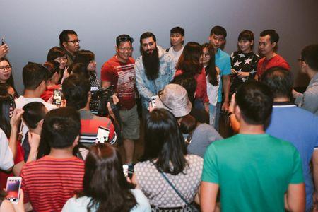 Fan Viet thich thu khi dao dien 'Kong: Skull Island' bat ngo xuat hien - Anh 3