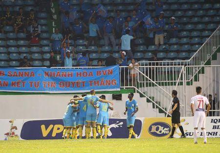HLV Nguyen Quoc Tuan: 'Cac doi thu biet ro ve HAGL' - Anh 1