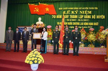 Ky niem 70 nam thanh lap Dang bo huyen Tran Yen va don nhan Huan chuong - Anh 2