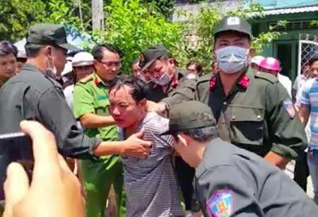 Vu Truong phong Tu phap huyen bi dam: Giam dinh tam than nghi can - Anh 6