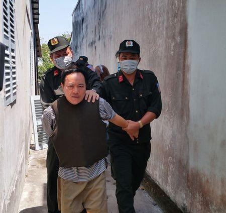 Vu Truong phong Tu phap huyen bi dam: Giam dinh tam than nghi can - Anh 8