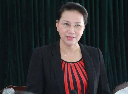Hinh anh: Chu tich Quoc hoi tham Nha may Thuy dien Lai Chau - Anh 1