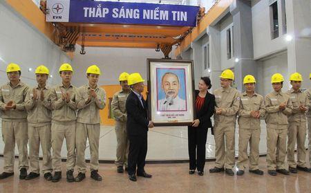 Hinh anh: Chu tich Quoc hoi tham Nha may Thuy dien Lai Chau - Anh 6