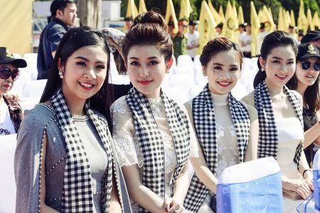 Ngoc Han, Huyen My, Ngoc Van duoc 'san don' o Le hoi ca phe Tay Nguyen - Anh 1