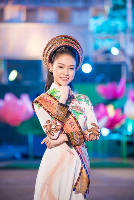 Ngoc Han, Huyen My, Ngoc Van duoc 'san don' o Le hoi ca phe Tay Nguyen - Anh 8