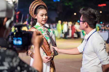 Ngoc Han, Huyen My, Ngoc Van duoc 'san don' o Le hoi ca phe Tay Nguyen - Anh 9