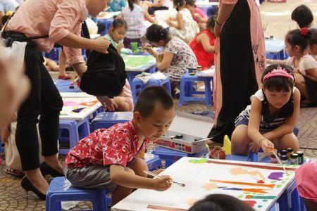 TP. Ho Chi Minh: Hon 1.500 hoa si nhi so tai ve tranh 'Net ve xanh nam 2017' - Anh 9