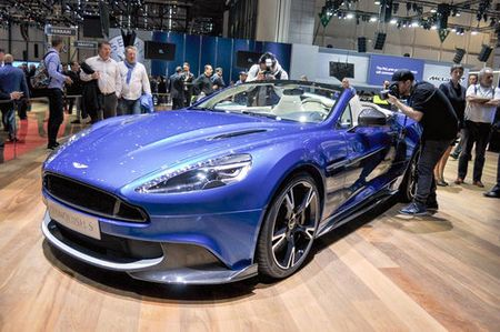 Aston Martin Vanquish S Volante 2018 gia 7,1 ty dong - Anh 1