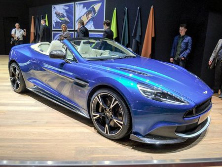 Aston Martin Vanquish S Volante 2018 gia 7,1 ty dong - Anh 2