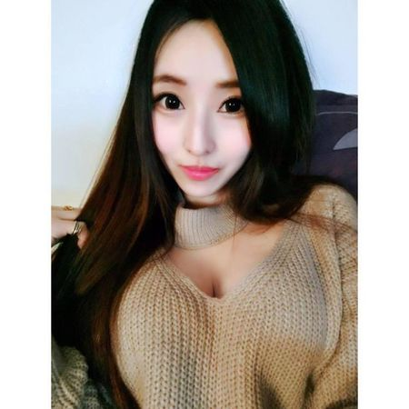 Sung sot nhin doi chan deo 'kinh di' cua co gai nong bong - Anh 5