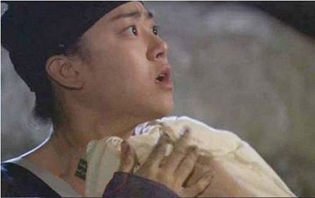 Nhung loi hai huoc trong phim co trang Han Quoc - Anh 13