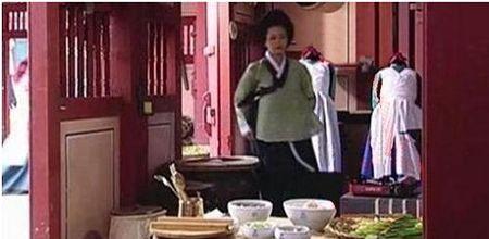 Nhung loi hai huoc trong phim co trang Han Quoc - Anh 3
