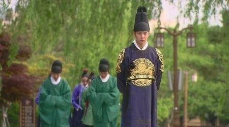 Nhung loi hai huoc trong phim co trang Han Quoc - Anh 7