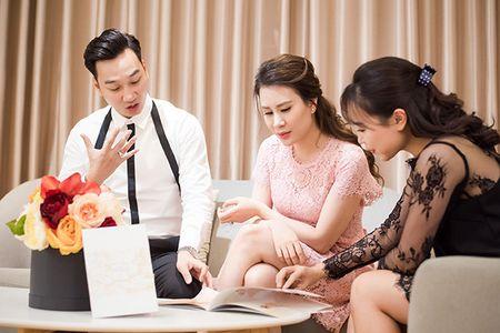 MC Thanh Trung va vo 9X di thu vay cuoi - Anh 1