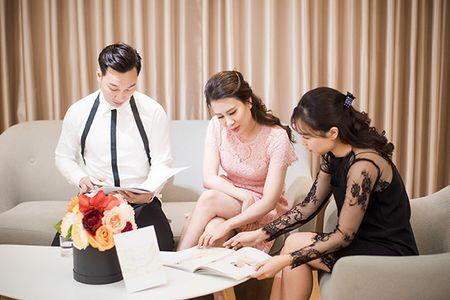 MC Thanh Trung va vo 9X di thu vay cuoi - Anh 2
