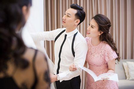 MC Thanh Trung va vo 9X di thu vay cuoi - Anh 4