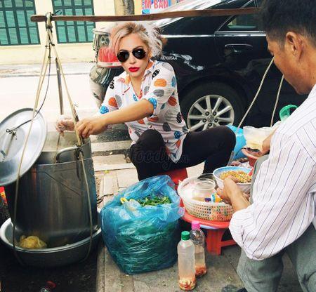 Anh che Beyonce ban banh my, Katy Perry buon khoai o Viet Nam - Anh 2