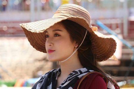 Chuyen hau truong dong phim cua Huyen My o nuoc ngoai - Anh 1