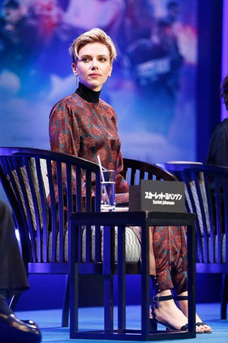 Scarlett Johansson la lam voi toc ngan - Anh 10