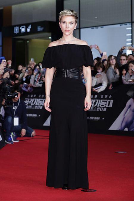 Scarlett Johansson la lam voi toc ngan - Anh 12