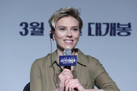 Scarlett Johansson la lam voi toc ngan - Anh 16